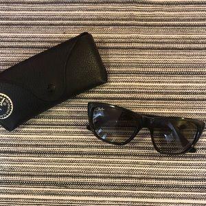 Unisex Ray-Ban Sunglasses